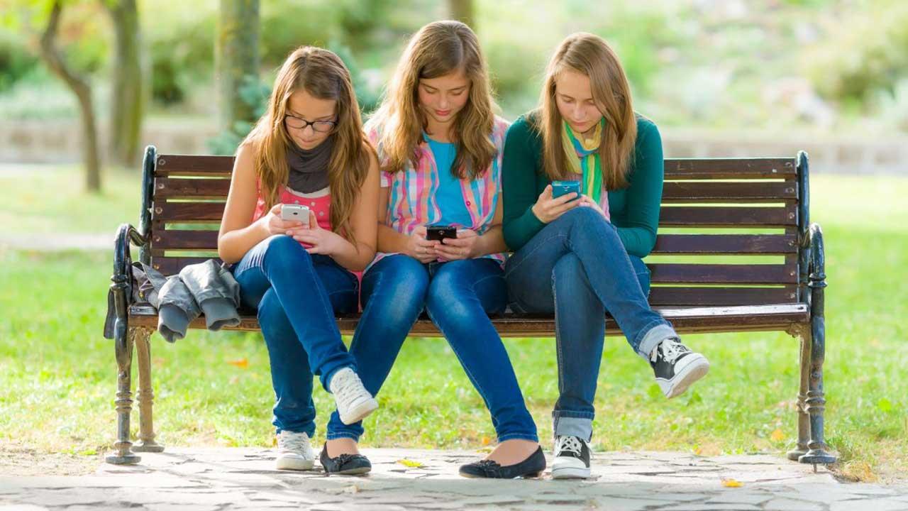 Teenage girl friend — photo 4