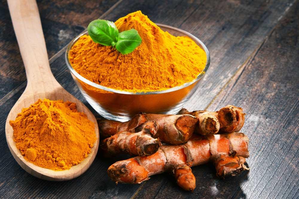 10 Turmeric Powder and Curcumin Uses for Health